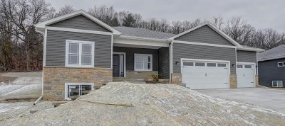 Deerfield Single Family Home For Sale: 343 Whitetail Way