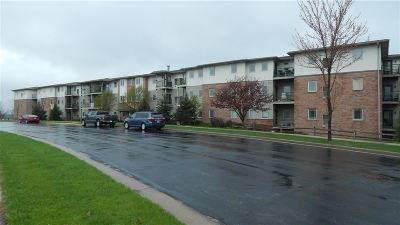 Verona Condo/Townhouse For Sale: 102 Prairie Heights Dr #208