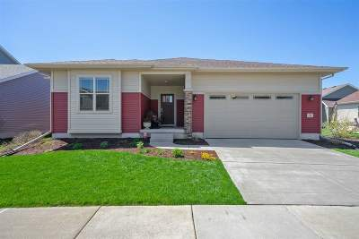 Verona Single Family Home For Sale: 710 Reflection Dr
