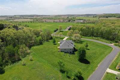 Green County Single Family Home For Sale: N9290 Wild Oak Rd