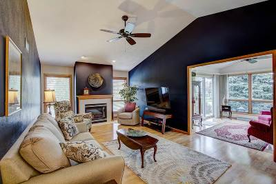 Waunakee Condo/Townhouse For Sale: 20 Fairview Tr