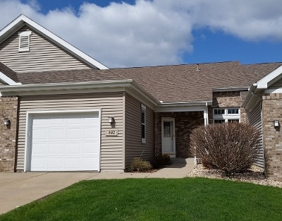 Mount Horeb Condo/Townhouse For Sale: 102 Lauryn Ct