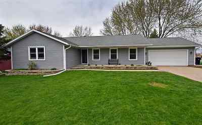 Deforest Single Family Home For Sale: 800 Lincoln Green Rd