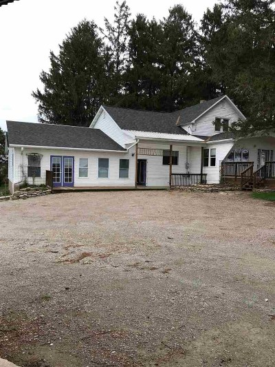 Lancaster WI Single Family Home For Sale: $225,000