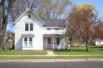 Waunakee Single Family Home For Sale: 303 Grant St