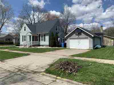 Baraboo Single Family Home For Sale: 424 7th Ave