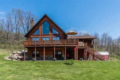 Sauk County Single Family Home For Sale: E5186 Herritz Rd