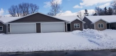 Lancaster WI Condo/Townhouse For Sale: $209,000