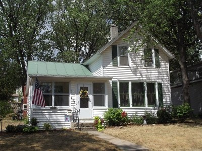 Baraboo Single Family Home For Sale: 228 7th Ave