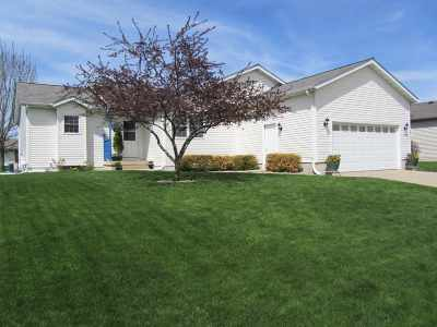Sun Prairie Single Family Home For Sale: 1360 Prairie Rose Dr