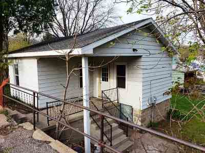 Baraboo Single Family Home For Sale: 541 8th Ave