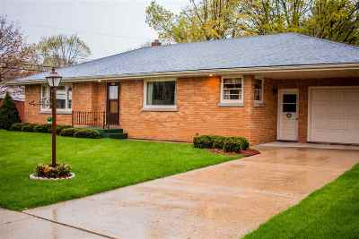 Dodge County Single Family Home For Sale: 104 McKinley St