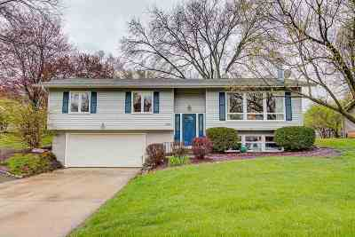 Fitchburg Single Family Home For Sale: 5209 Meadowood Dr