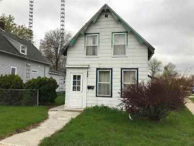 Columbia County Single Family Home For Sale: 616 Dewitt St