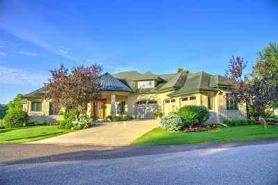 Prairie Du Sac Single Family Home For Sale: E12237 Water's Edge Ct