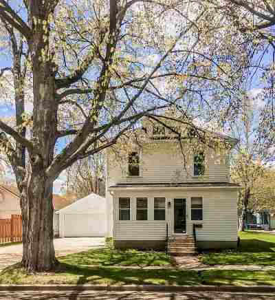 Dodge County Single Family Home For Sale: 207 S 1st St