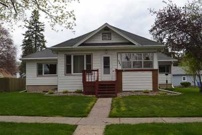 Baraboo Single Family Home For Sale: 321 10th St