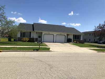 Dodge County Multi Family Home For Sale: 364-366 S Fairfield Ave