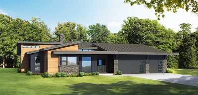 Middleton Single Family Home For Sale: 9547 Sandhill Rd