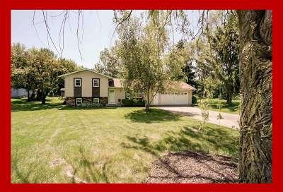 Deforest Single Family Home For Sale: 3905 Terrace Cir