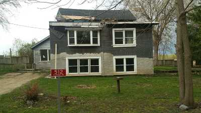 Deforest Single Family Home For Auction: 512 Clarence Rd