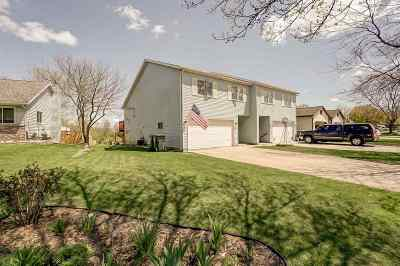 Sun Prairie Single Family Home For Sale: 215 White Tail Dr
