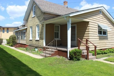 Columbia County Single Family Home For Sale: 122 E Dodge St