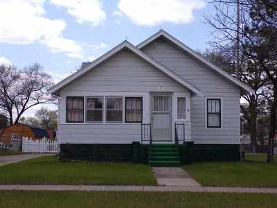 Adams Single Family Home For Sale: 125 N Grant St