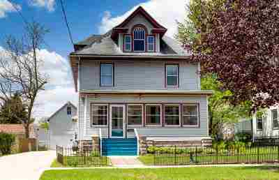 Stoughton Single Family Home For Sale: 216 N Franklin St