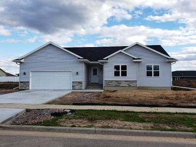 Baraboo Single Family Home For Sale: 1520 21st St
