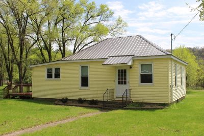 Iowa County Single Family Home For Sale: 705 E Clyde St