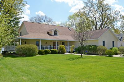 Pardeeville Single Family Home For Sale: 322 N Main St