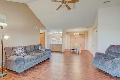 Oregon Condo/Townhouse For Sale: 494 Cledell St #3