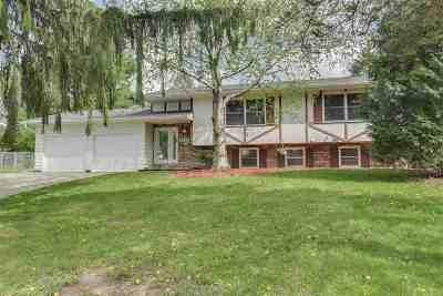 Fitchburg Single Family Home For Sale: 5211 Big Bow Ct