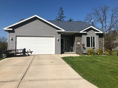 Cross Plains Single Family Home For Sale: 1994 Lewis St