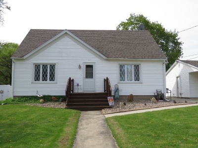 Dodge County Single Family Home For Sale: 304 W Cherry St