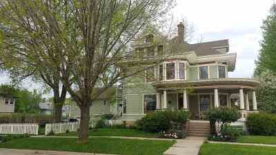 Green County Single Family Home For Sale: 2121 7th St