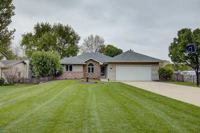 Waunakee Single Family Home For Sale: 508 8th St