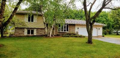 Pardeeville Single Family Home For Sale: 502 Herwig Dr
