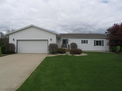 Edgerton WI Single Family Home For Sale: $244,900