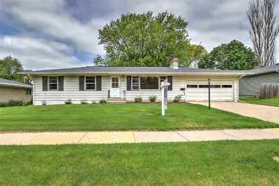 Dane County Single Family Home For Sale: 1726 Elka Ln