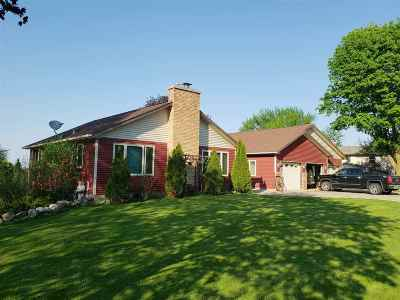 Dane County Single Family Home For Sale: 2750 Star Crest Tr