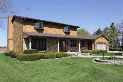 Sun Prairie Single Family Home For Sale: 1645 Berlin Rd