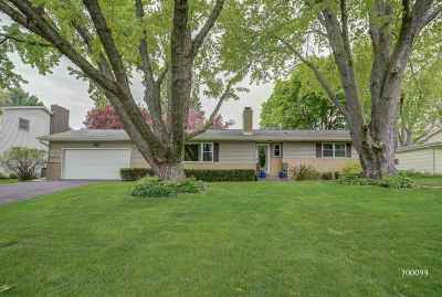 Waunakee Single Family Home For Sale: 701 S Holiday Dr