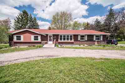 Fitchburg Single Family Home For Sale: 5496 Lacy Rd