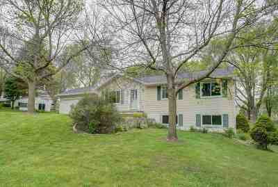 Stoughton Single Family Home For Sale: 1678 Bell View Rd