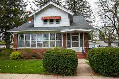 Single Family Home For Sale: 320 S Main St