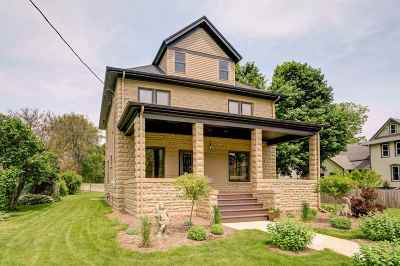 Stoughton Single Family Home For Sale: 716 Jackson St
