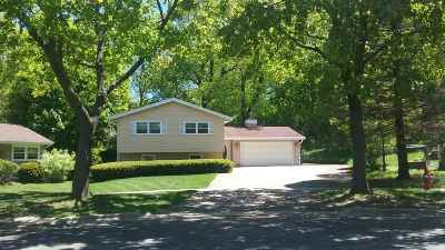Madison Single Family Home For Sale: 18 Vermont Cir