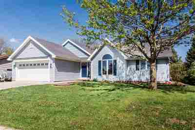 Waunakee Single Family Home For Sale: 908 S Holiday Dr
